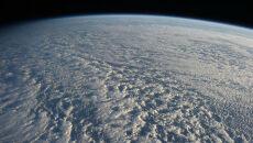 Zza oceanu chmur nie widać Pacyfiku